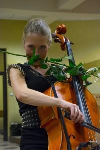 Marta Tango z kwiatkiem